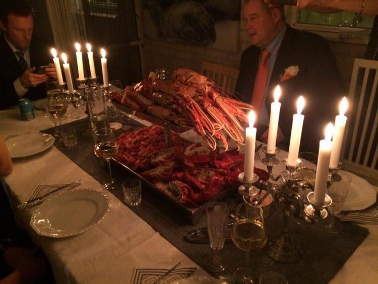 Nyår med lyxig skaldjursbuffe och champagne