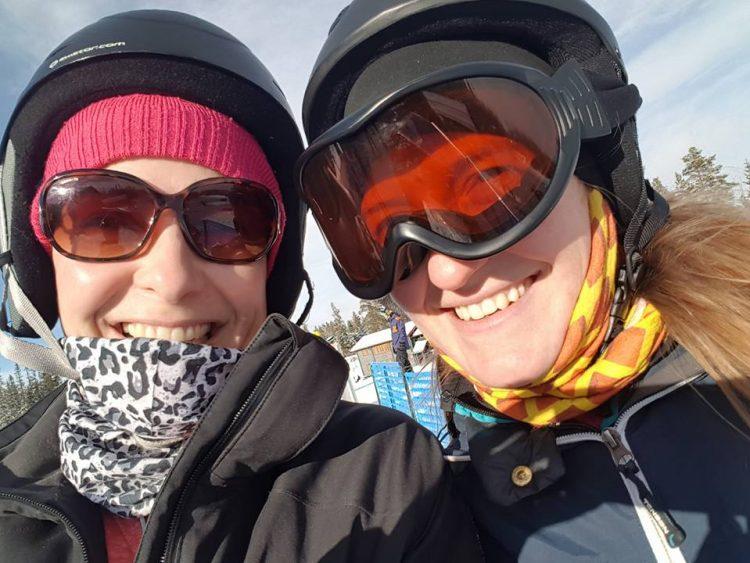 Cilla och jag på snowboard i Lindvallen